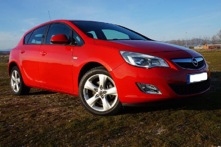 Opel astra 2012
