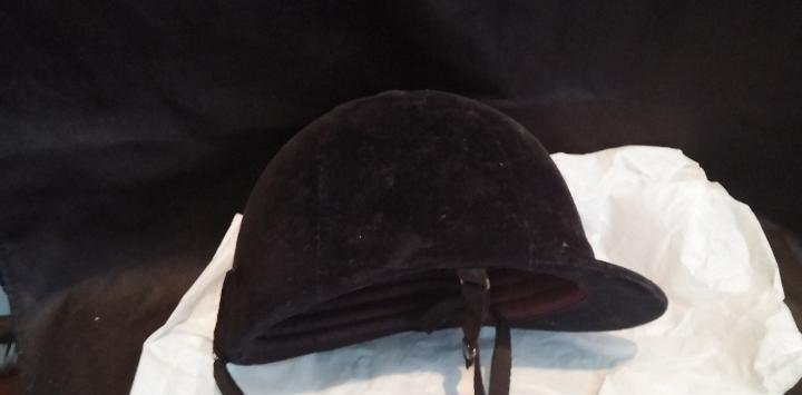 Sombrero de hípica o equitación antiguo de la prestigiosa