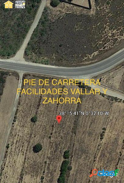 Terreno de 13.400 m2, ideal para campa de coches, no tiene pérdida para los usuarios.