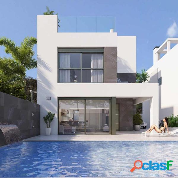 Villa independiente de 4 dormitorios en zona residencial en punta prima
