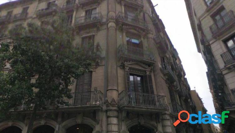 Jto plaza catalunya estupendo piso 180m2 4habitaciones dobles 2 baños, 2 salones. perfecto estado