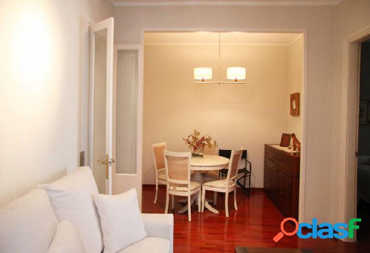 Bonito piso de 2 hab, con vistas a sagrada familia.