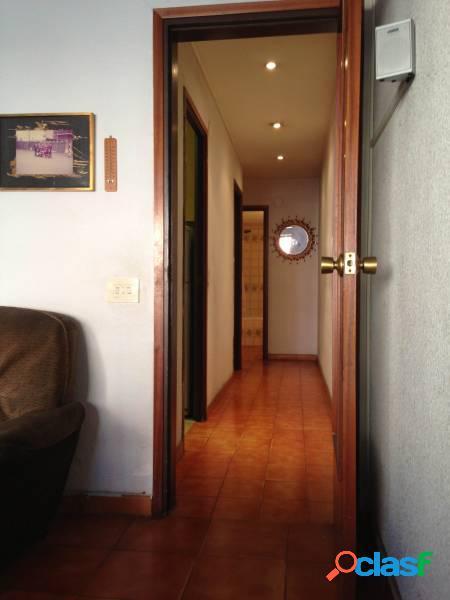 Piso de 80 m2, 4 hab, 2 baños terraza de 8 m2 y con opción a parking. Nova esquerra de l'eixample. 2