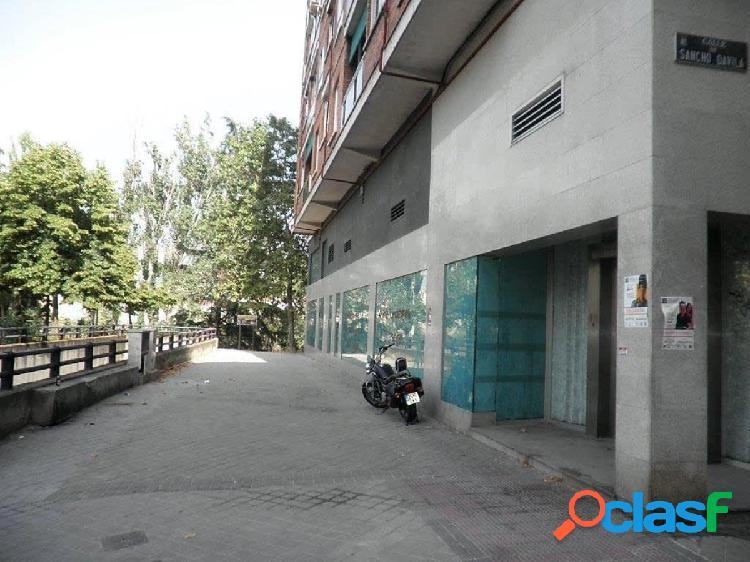 Local comercial en venta en barrio fuente del berro, distrito salamanca, madrid.