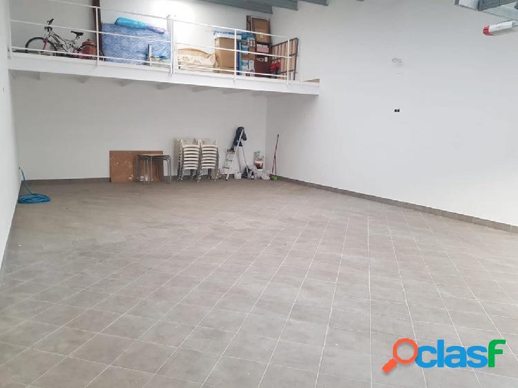 Cochera de nueva construcción en pleno centro de pueblonuevo