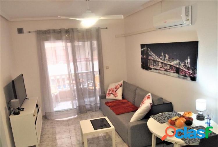 Luminoso apartamento, recién reformado en playa del cura, torrevieja.