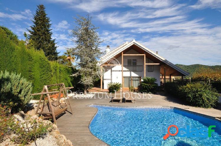 Entorno de naturaleza y piscina en argentona - costa bcn
