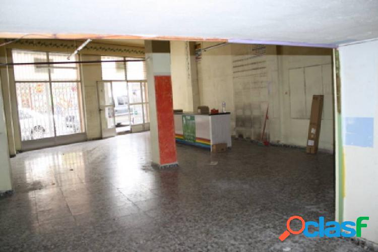 Local comercial en orihuela, zona de duque de tamames, 120 m2. de superficie.
