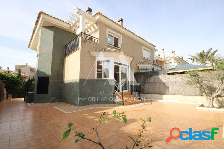 Chalet pareado en altorreal