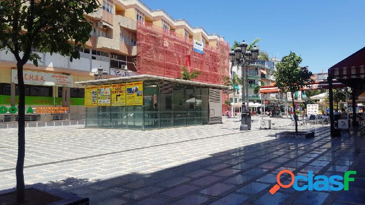 Conjunto de tres locales comerciales en vente en torremolinos.
