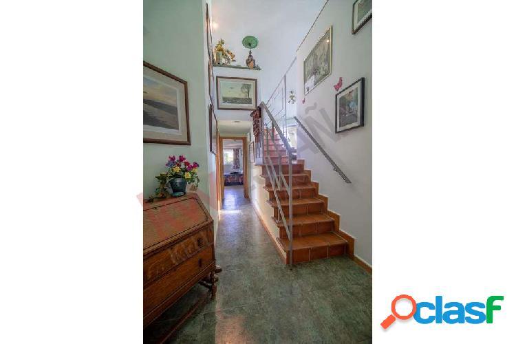 Villa con anexo para alquiler en Viñuela. 1