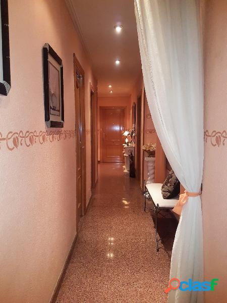 Se vende bonito piso en plena avenida de la constitución, novelda (alicante)