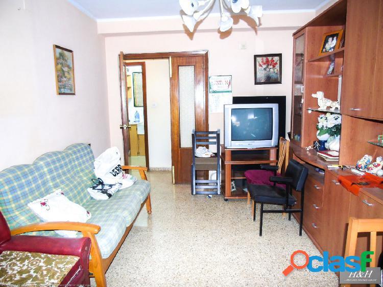 Se vende piso luminoso en Zona Concordia. / HH Asesores, Inmobiliaria en Burjassot/ 1