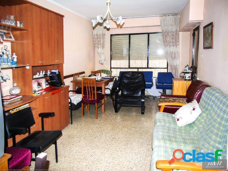 Se vende piso luminoso en Zona Concordia. / HH Asesores, Inmobiliaria en Burjassot/ 3