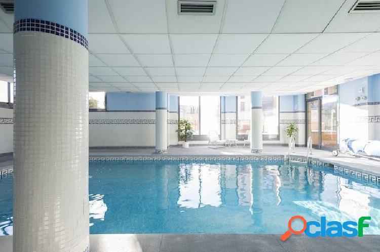 Venta piso en las mercedes - centro comercial plenilunio -