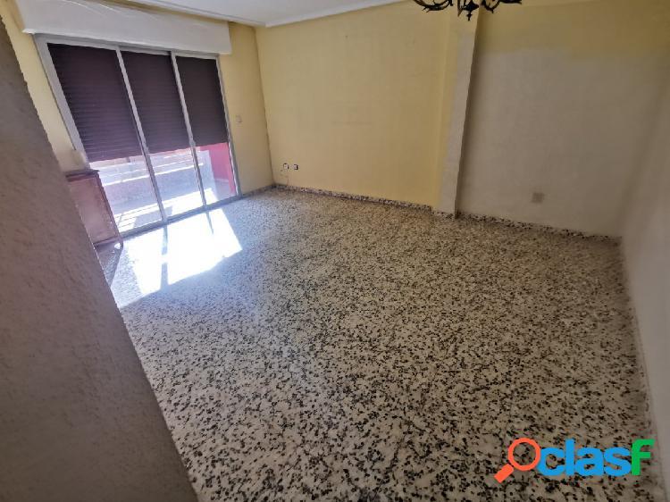 Se vende piso en zona franciscanos