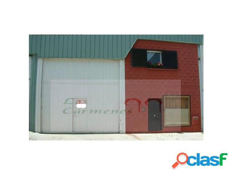 Nave industrial en gojar con vivienda y patio. altura de 9 m. con planta de 309 m2 dividido en 2 plantas.