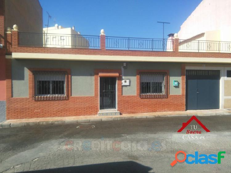 Casa familiar 140 m² con tres dormitorios en mazarrón