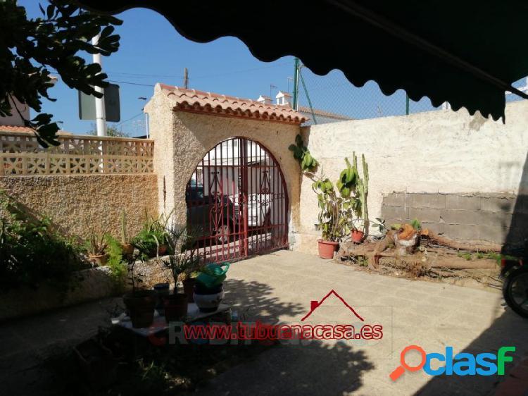 Dúplex con amplio jardín cerca playas del puerto de mazarrón