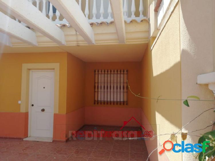 Dúplex familiar, 3 plantas, 5 dormitorios en puerto de mazarrón