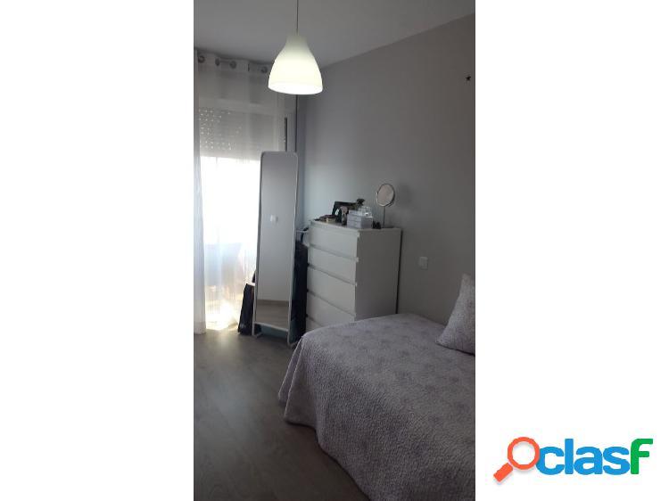 Apartamento de dos dormitorios en cuatro plumas en puerto de mazarrón