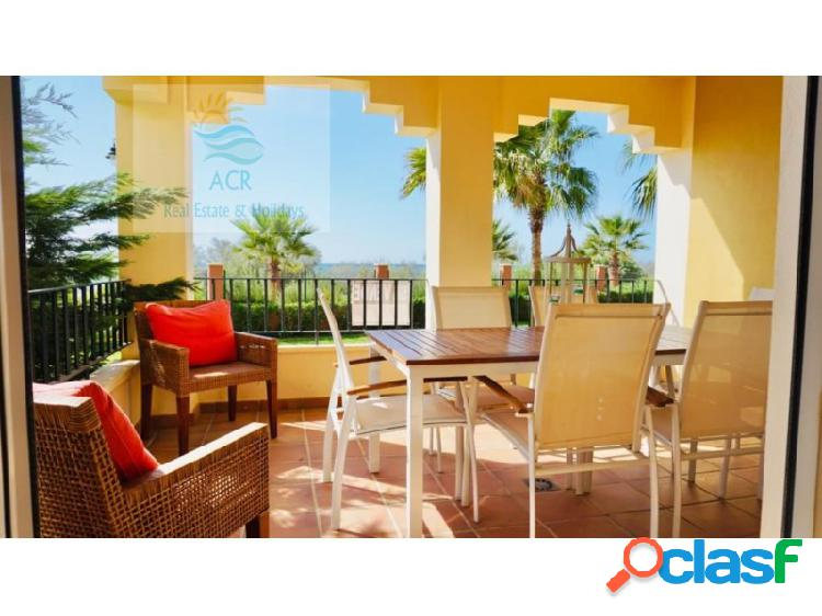 Oportunidad: extraordinario apartamento frontal al mar con calidades superiores