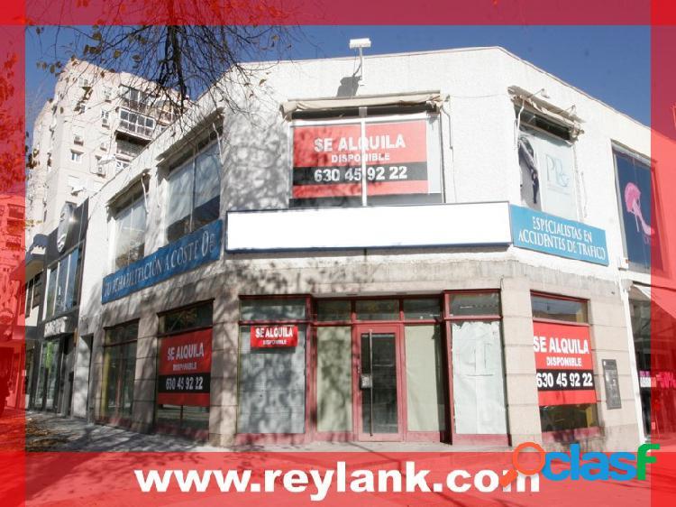 Alquiler local comercial planta 1ª de esquina zona 'valleaguado', (c/ venezuela esquina c/ jesús de san antonio)