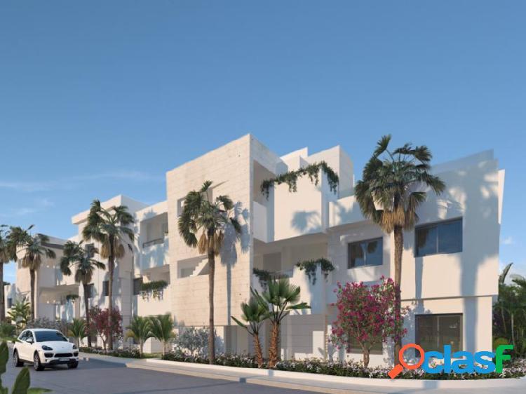 Arquitectura contemporánea, espacio y luz en el corazón de la costa del sol. este espectacular complejo residencial dentro del campo de golf casares costa, en el municipio de casares, a solo