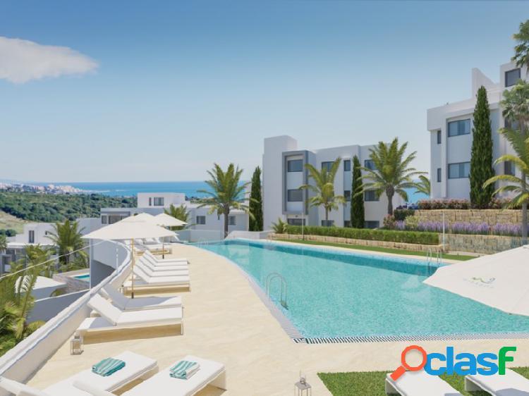 Nueva promoción sobre plano o 54 apartamentos y áticos ubicados de 2 y 3 dormintorios en la nueva milla de oro: entre gibraltar y puerto banús, en la zona de estepona golf, rodeados de campos