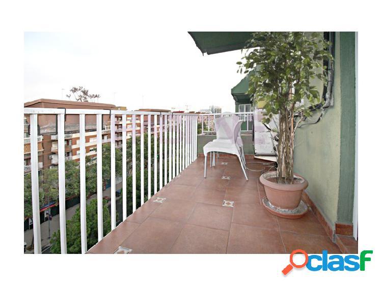 Piso semi reformado en campanar amplio balcón-terracita y plaza garaje. fantastica orientacion y muy luminoso.