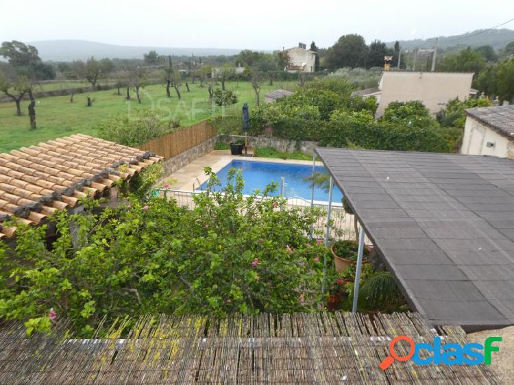 Bonita casa con jardin y piscina en santa maria del cami
