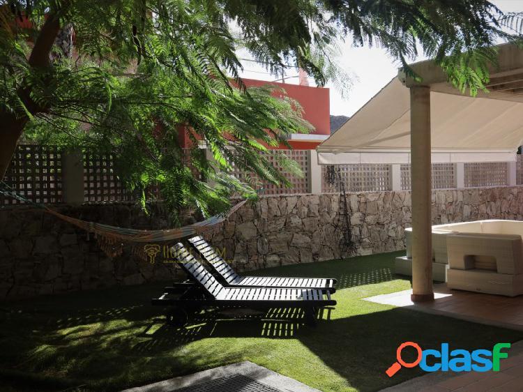 Hermosa villa en venta en la isla de la eterna primavera