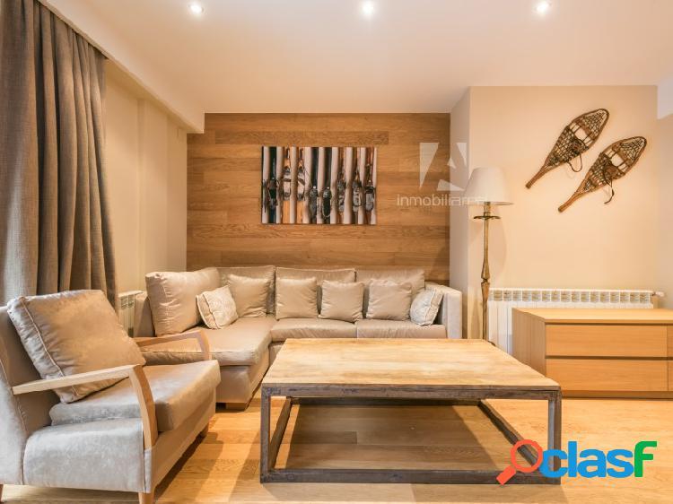 Apartamento luminoso con terraza en salardu