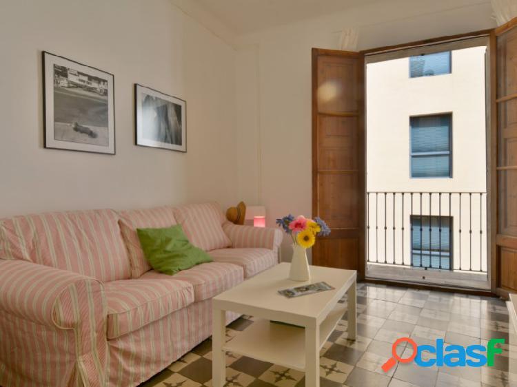 Mallorca next properties - precioso apartamento de dos dormitorios en el casco antiguo de palma amueblado y equipado