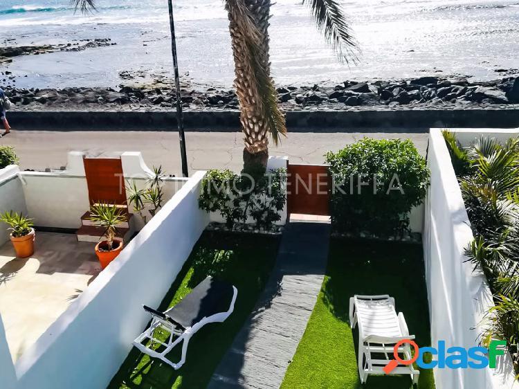 Villa en una localización y entorno inigualable, frente al mar, playa de las américas, tenerife sur