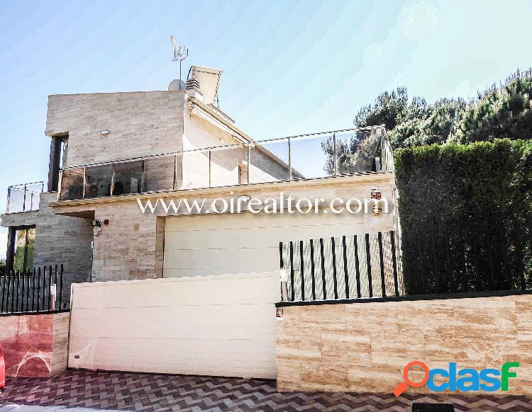 Villa lujosa en venta en la urbanización privada santa maria de llorell, tossa de mar