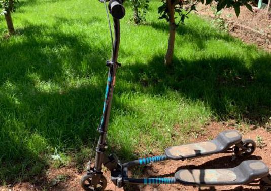 Patinete doble, 3 ruedas, plegable con freno