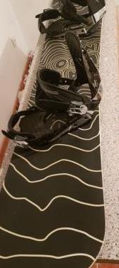 Snowboard bataleon 1'55 y fijaciones rossignol