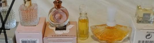 224 miniaturas de perfume valentino