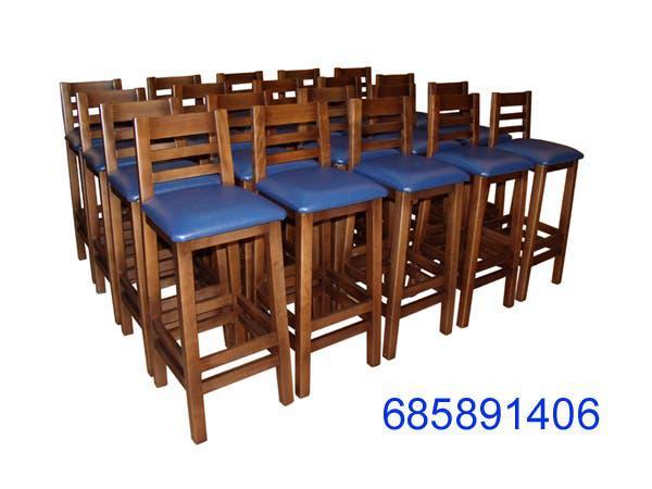 Abierto 7 dias de la semana sillas,mesas,taburetes