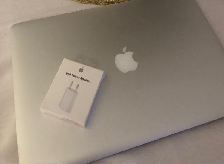 Adaptador apple nuevo