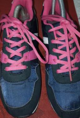 Botines o zapatillas de deportes de mujer