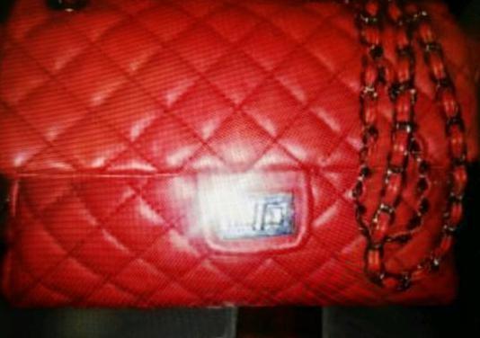 Bolso acolchado rojo