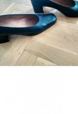Elegante zapato azul marino,cómodo
