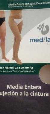 Media entera (ortopedia) sujecion a la cintura.