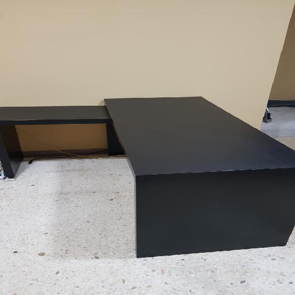 Mesa despacho + silla ergonómica