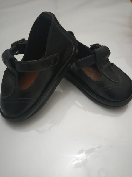 Zapatos negros piel 17-18