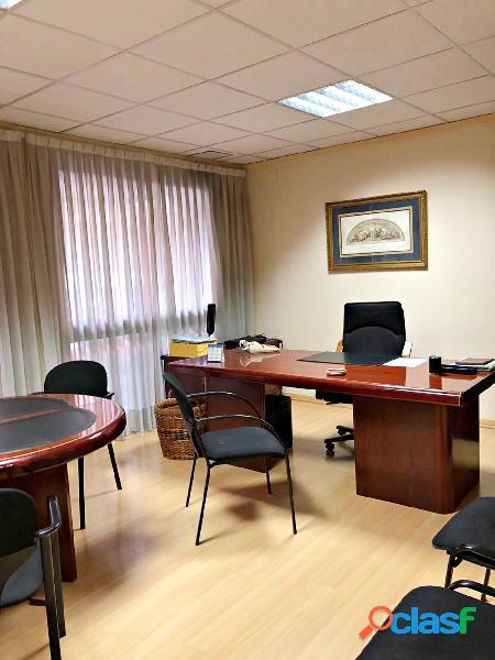 Magnifica oficina junto ayuntamiento de valencia