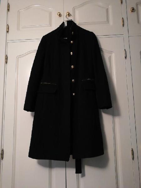 Abrigo negro largo de lana, estilo casaca militar
