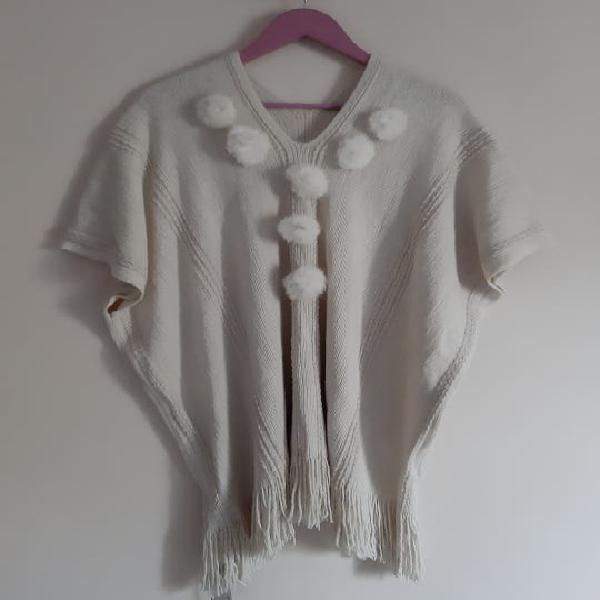 Jersey poncho de lana sin extrenar. con etiqueta.